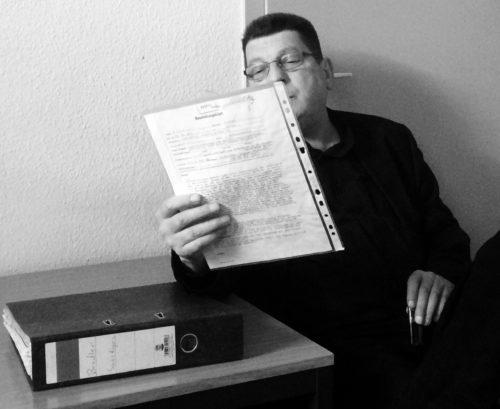 Zeitzeuge liest aus seinen Stasi-Unterlagen