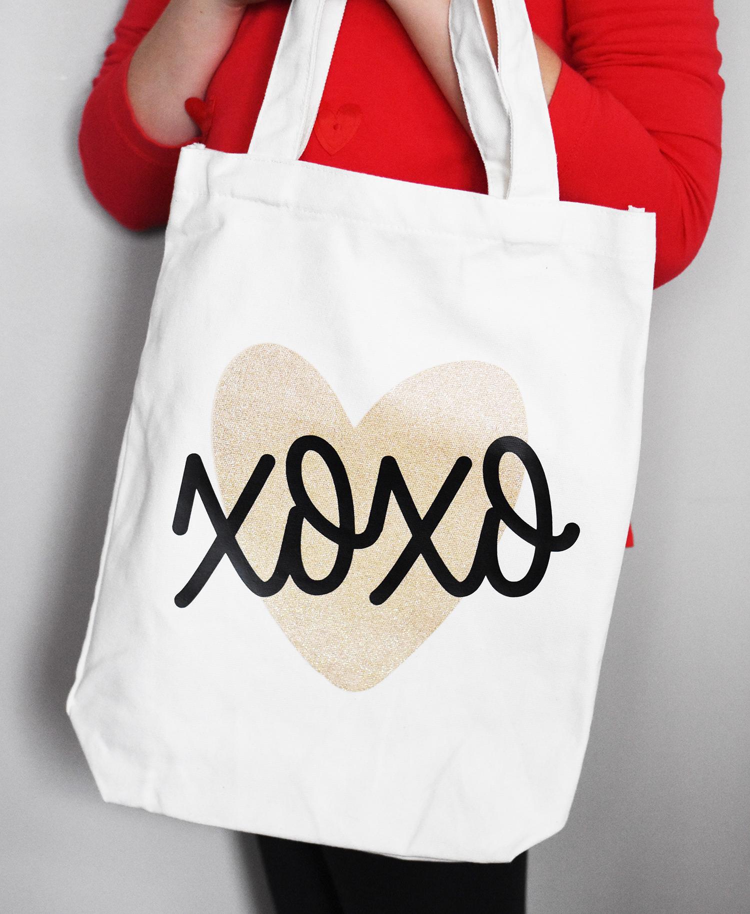 {Valentine's Day} DIY XOXO Tote Bag Gift