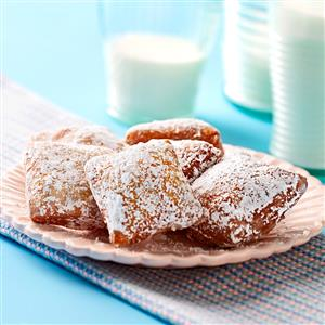Traditional Mardi Gras Food Ideas and Recipes curated by Pineapple Paper Co.