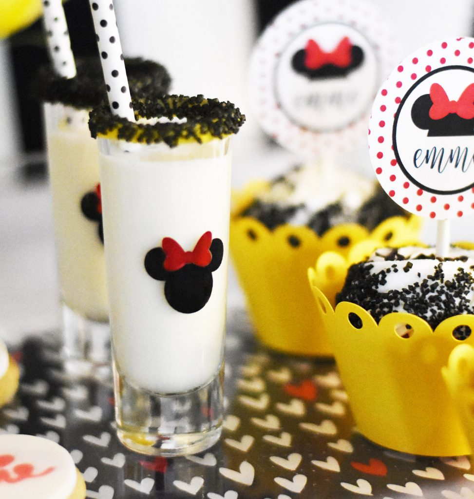 Make Minnie Mouse Birthday Party Ideas with your Cricut by Pineapple Paper Co.