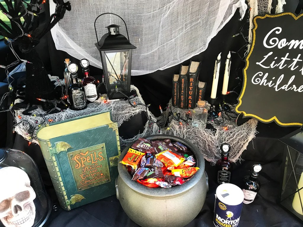 Hocus Pocus Trunk or Treat Ideas by Pineapple Paper Co.