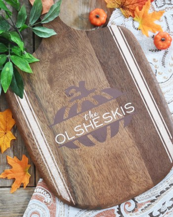 DIY Personalized Wood Tray with Pumpkin made with the Cricut EasyPress 2