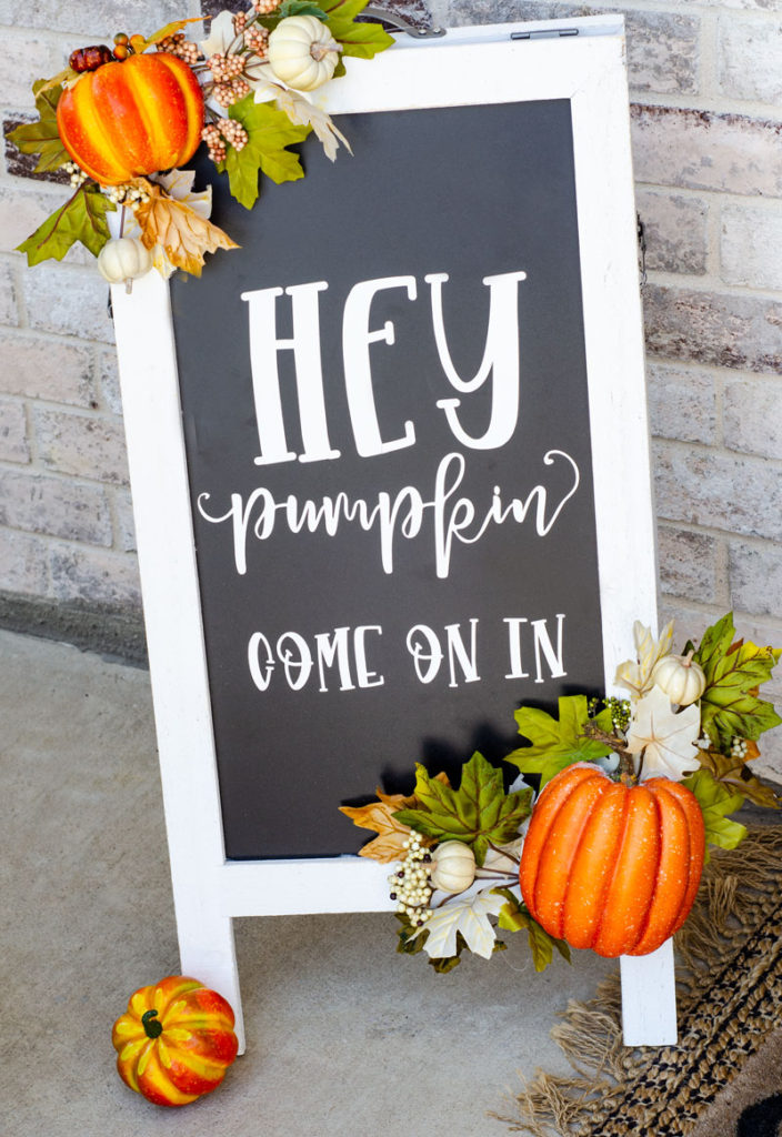 Hey Pumpkin DIY Fall Porch Sign