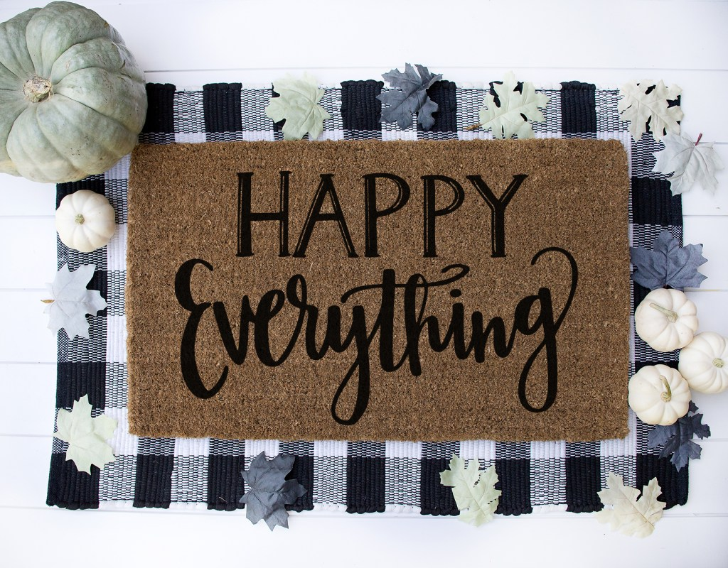Download your FREE Happy Everything SVG Cut File to make DIY Holiday Signs and DIY Doormats with your Cricut by Pineapple Paper Co.