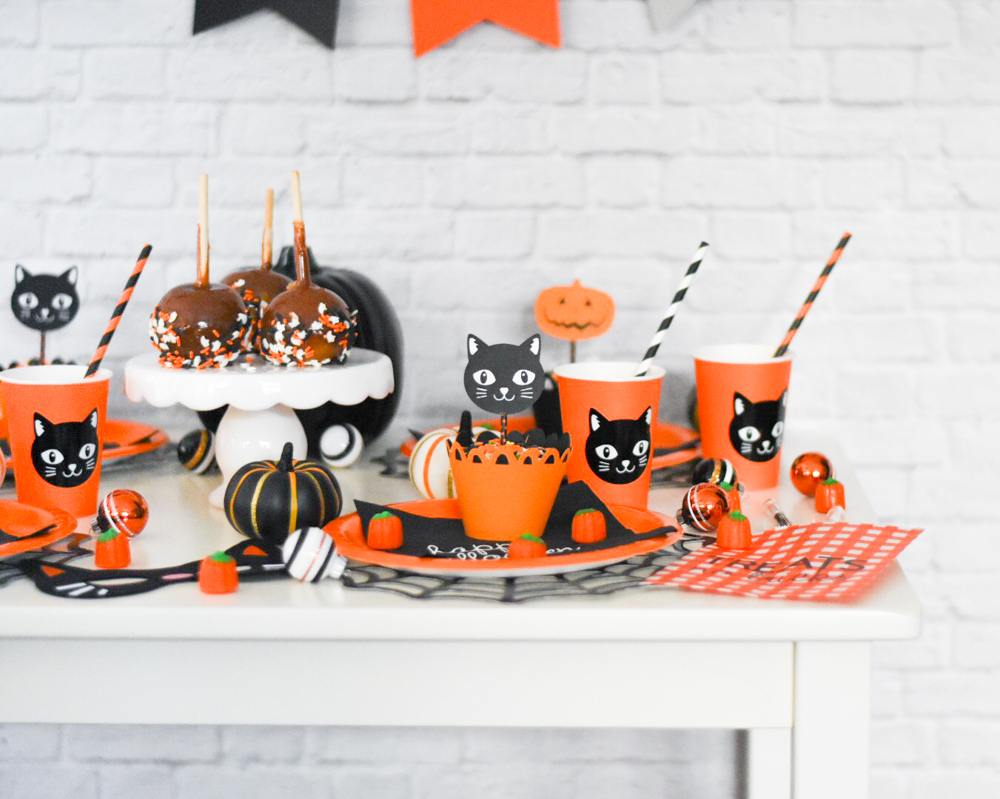 DIY Halloween Party Crafts by Pineapple Paper Co.