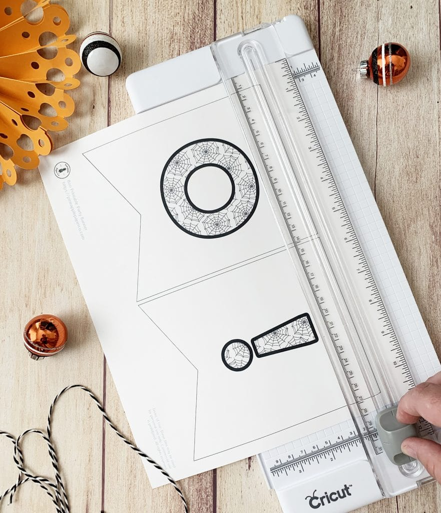 Free Printable Halloween Banner DIY by Pineapple Paper Co.