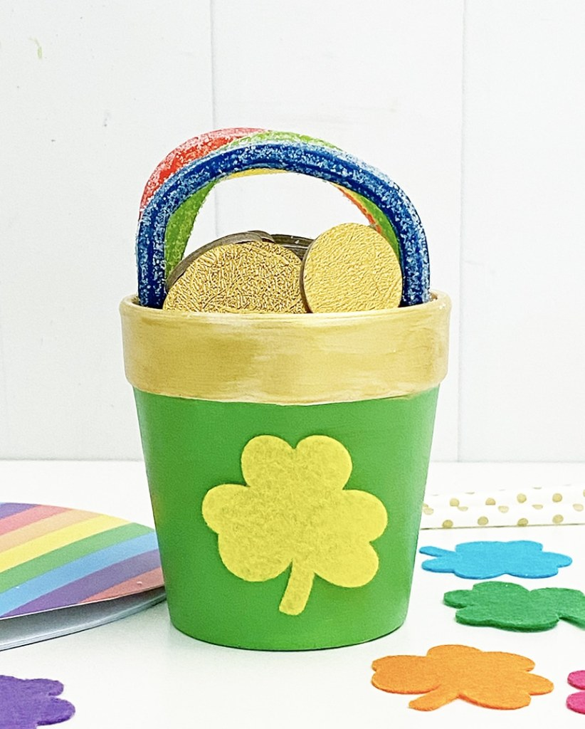 Pot of Gold Craft for St. Patrick's Day by Pineapple Paper Co.