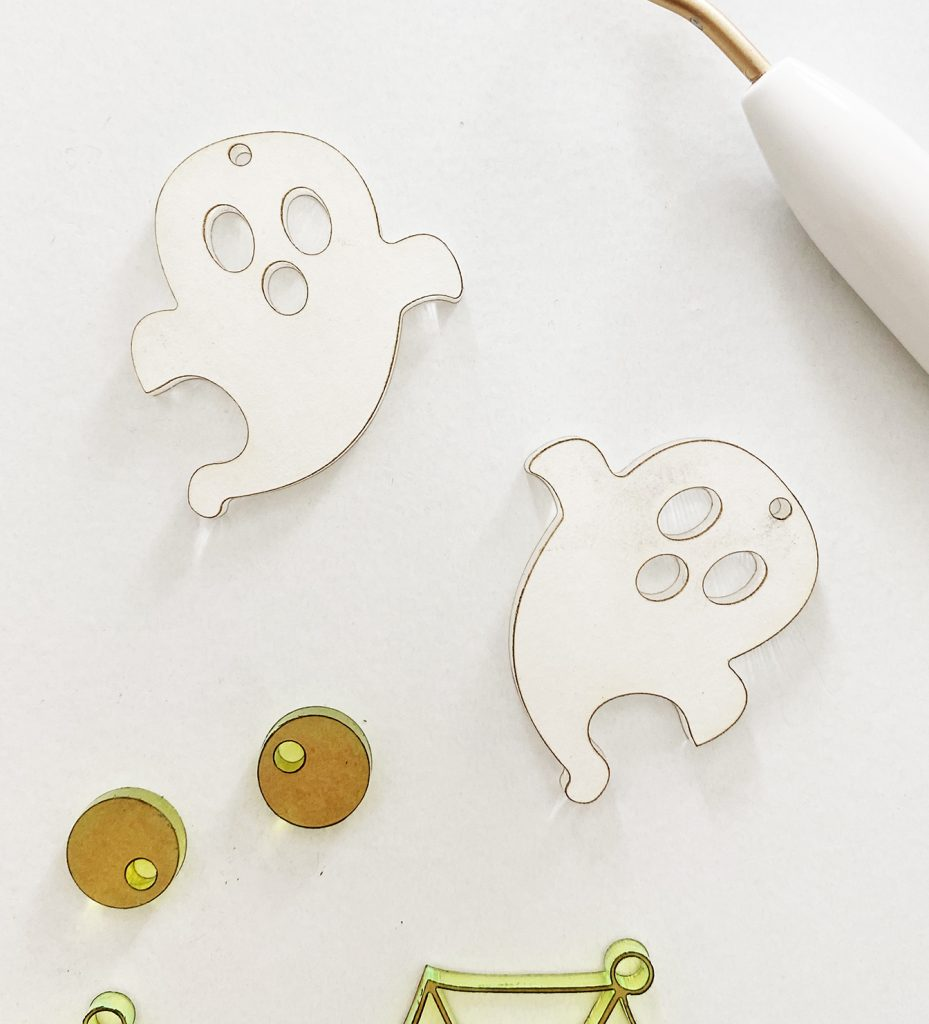 DIY Acrylic Ghost Halloween Earrings made with a Glowforge by Pineapple Paper Co.
