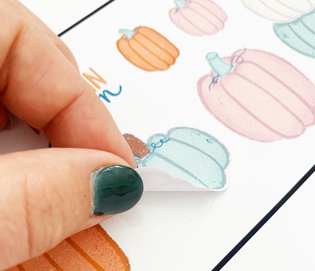 Print then Cut Pumpkin Stickers with a Cricut