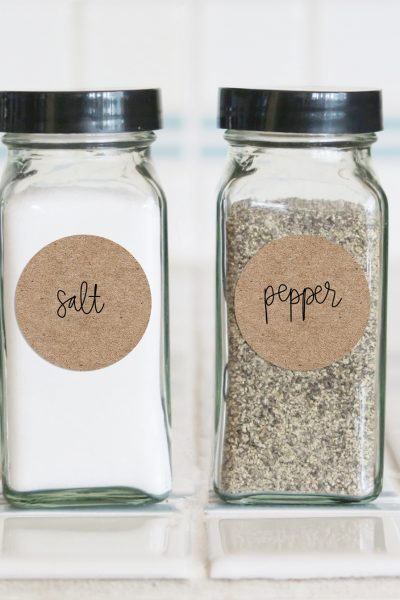 Farmhouse Salt and Pepper Spice Labels made with Free SVG and Cricut or Silhouette