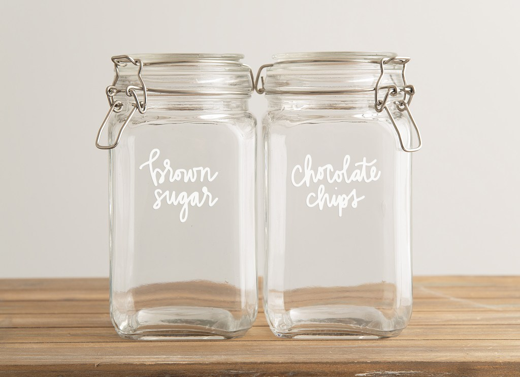 Vinyl Pantry Labels with Free SVG on Glass Jars