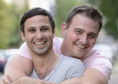 rencontre homme riche gay à Chatou