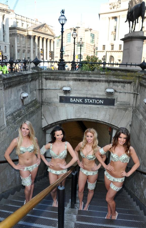 bank station girls-09