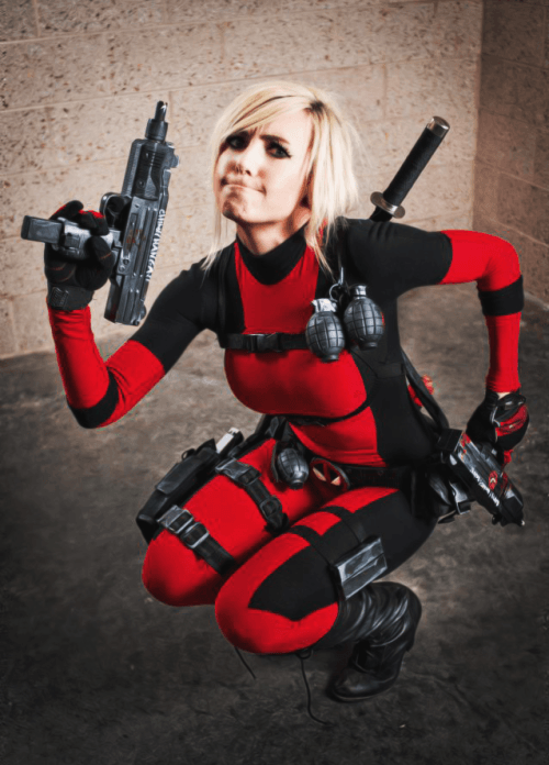 Jessica Nigiri as Deadpool girl