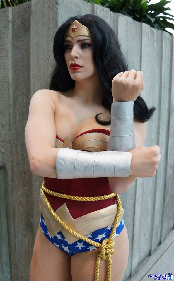 Wonder Woman vs Miss Sinister (4)
