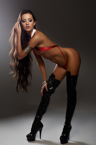 Joanie Brosas hot and sexy tumblr_njowdaFsTg1rgi8pko2_400
