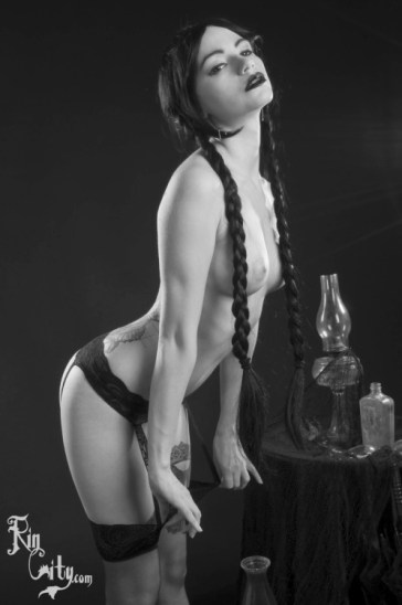 Wednesday Adams hot and sexy tumblr_o3c43i3IDk1ugpil6o9_500