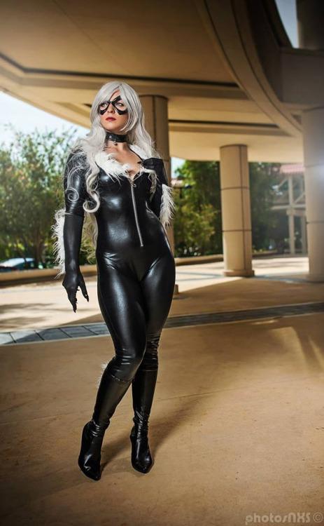 Black Cat Cosplay (2)