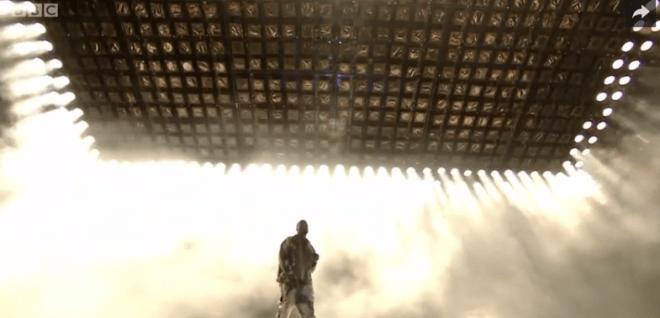 "Kanye West : ""Bohemian Rhapsody"" de Queen à Glastonbury 2015"