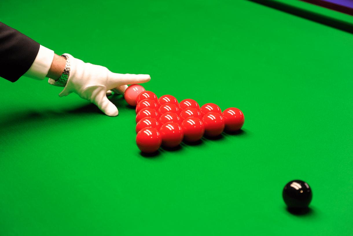 How to rack in snooker