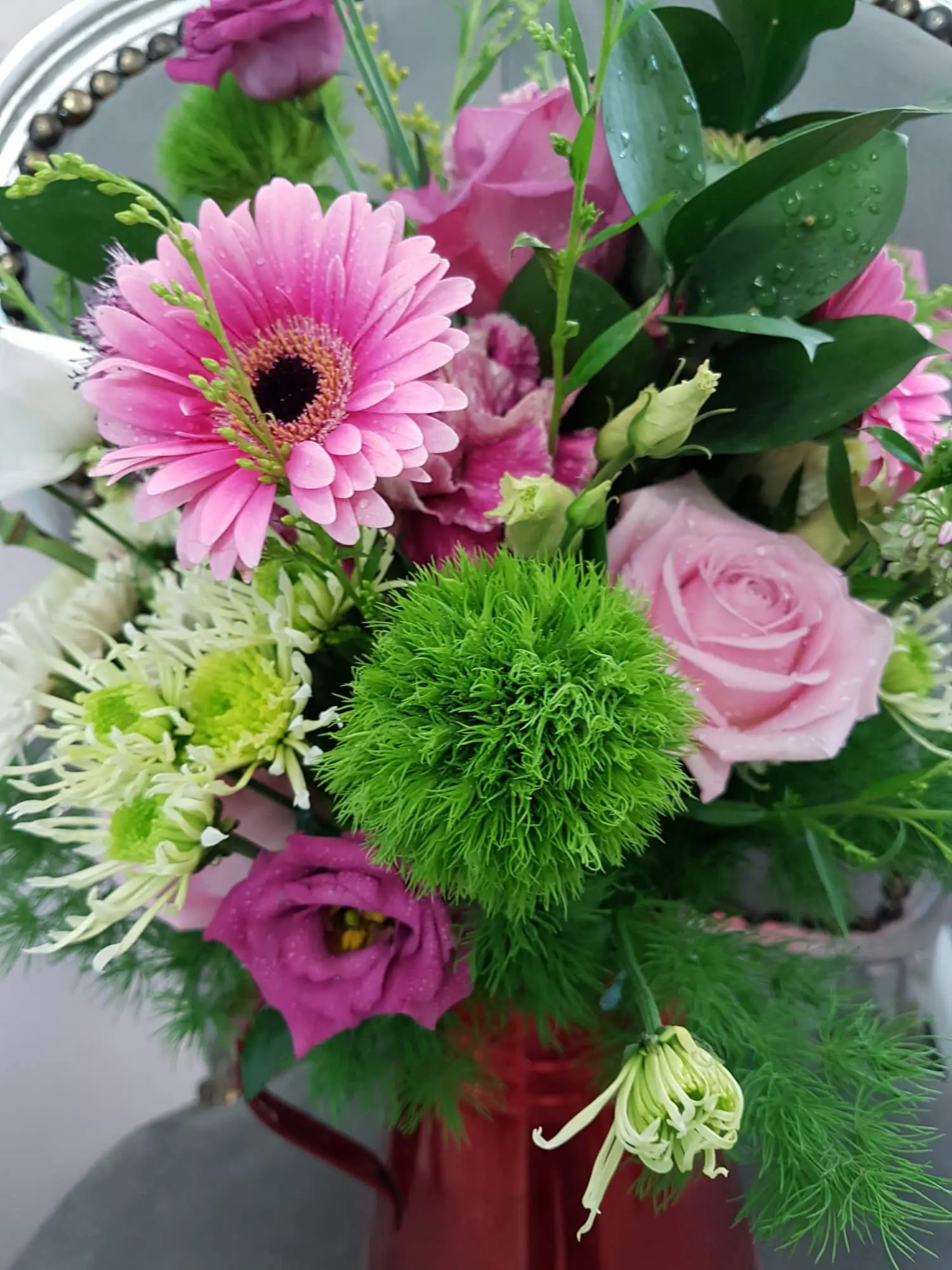 WHAT IS A HAND TIED BOUQUET?