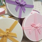 THE BOW HAT BOX – choice of box colour