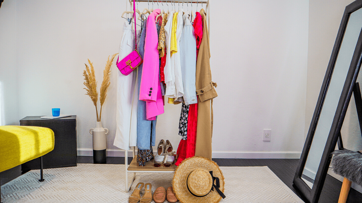 21 Summer Essential Every Women Needs In Her Closet