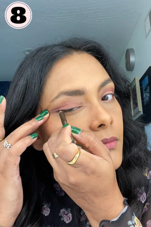 Applying eyeliner closer to lash line