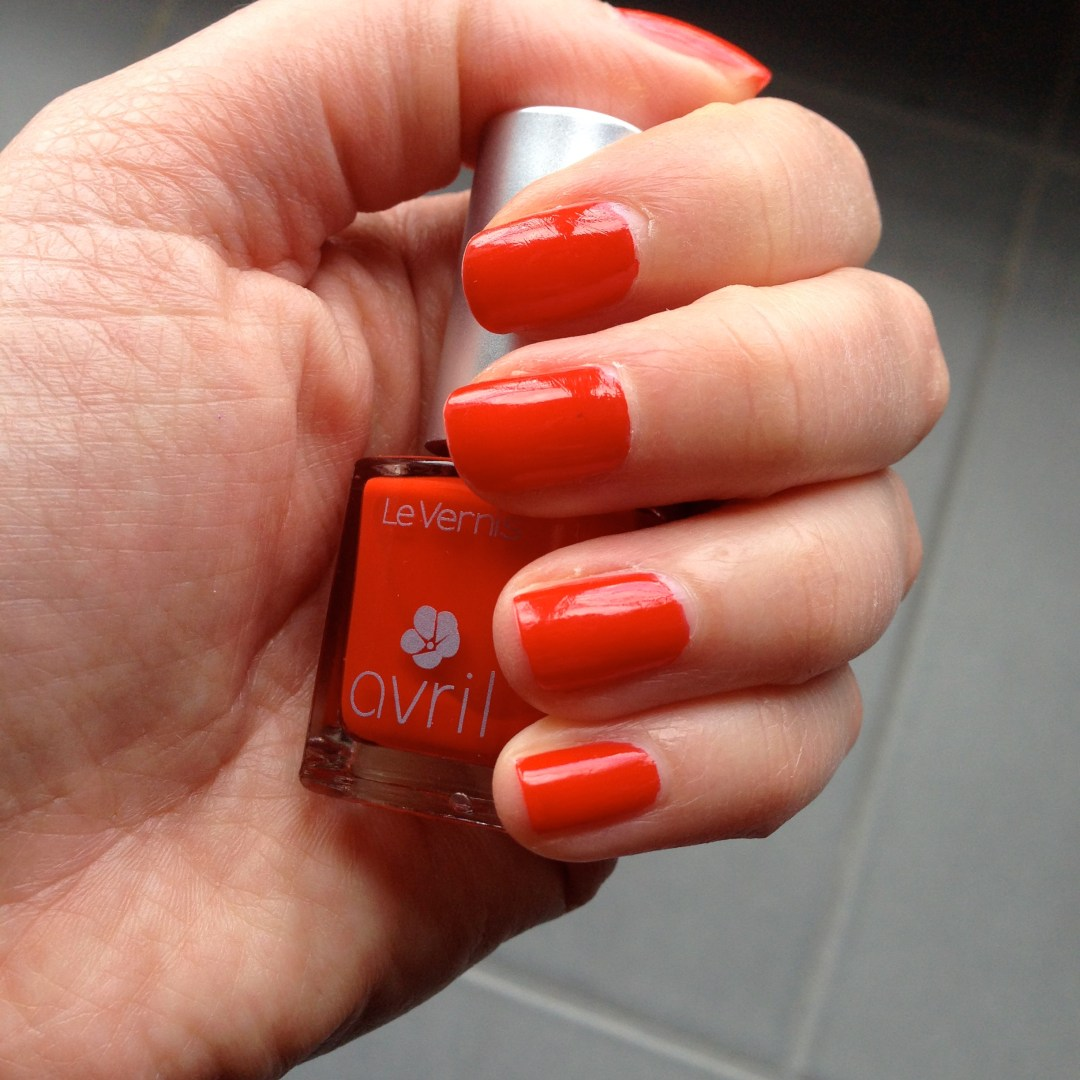 Vernis Avril rouge coquelicot