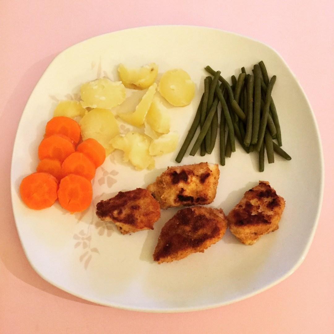 Nuggets de poulet et macédoine de légumes