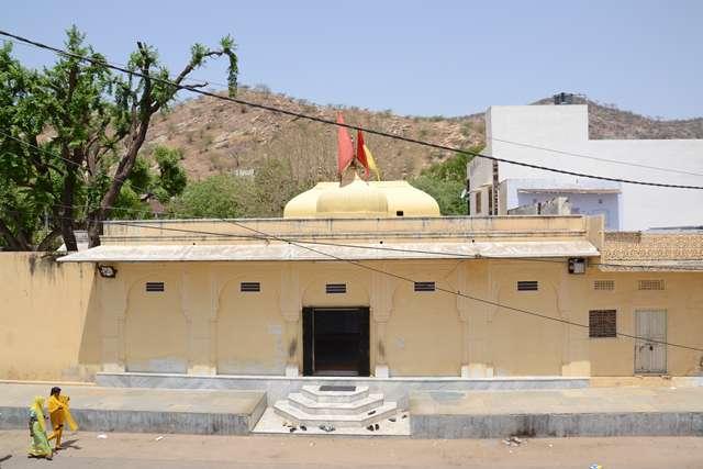 Kale_Hanuman_Ji-Amer-Road-05