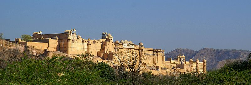800px-Amber_Palace_Jaipur_Pano