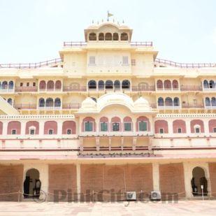 Chandra Mahal-in-City-Palace