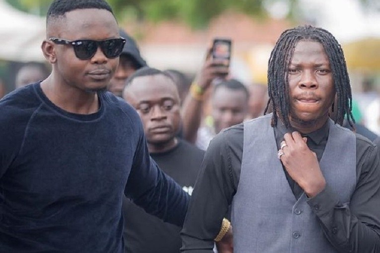 Blakk Cedi (L) and Stonebwoy