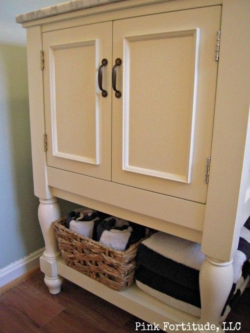 Guest Bathroom Reveal by coconutheadsurvivalguide.com #beachy #nautical