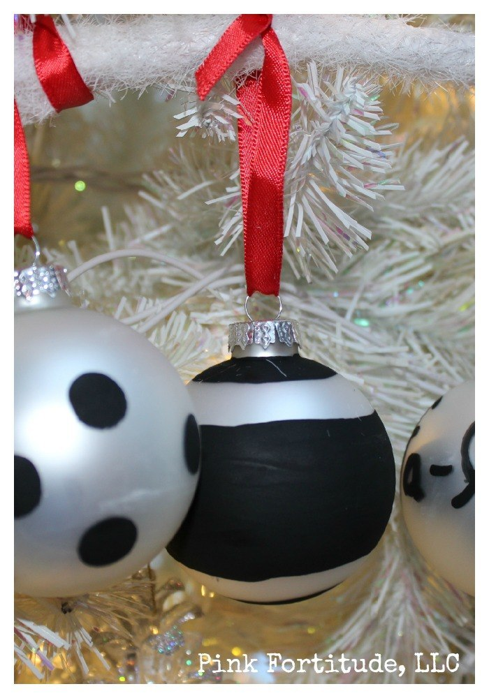 Kate Spade DIY Christmas Ornament. At $30 each, these Kate Spade Christmas ornaments are too fabulous for words. At next to nothing, the DIY is even better. While we all know that my crafting skills are... well... let's just say that if I can pull it off, so can you!