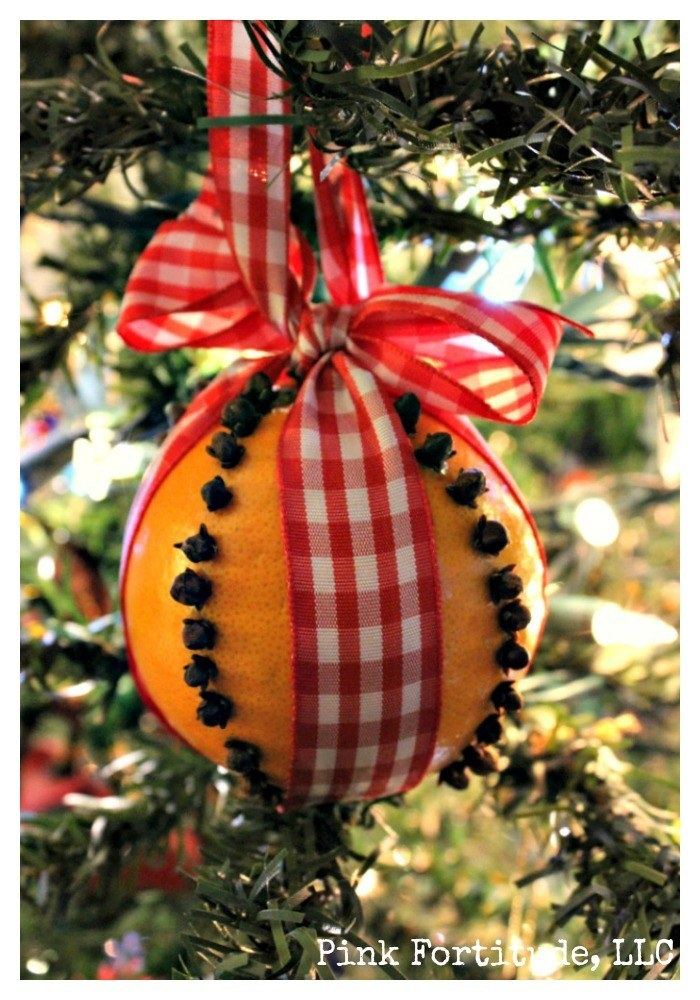 Fragrant and Festive Pomander Tutorial. The pomander has it's origins back to the Middle Ages. Today, the Pomander is more associated with Colonial times, however research varies if they were made mostly with apples or oranges. Nonetheless, a Pomander is a fragrant and festive decoration you can display at home, or give as a Christmas or holiday gift.