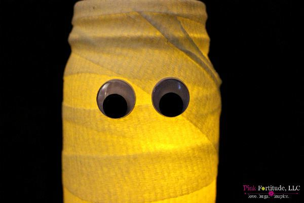 Mummy Mason Jar Luminary – PB Copy