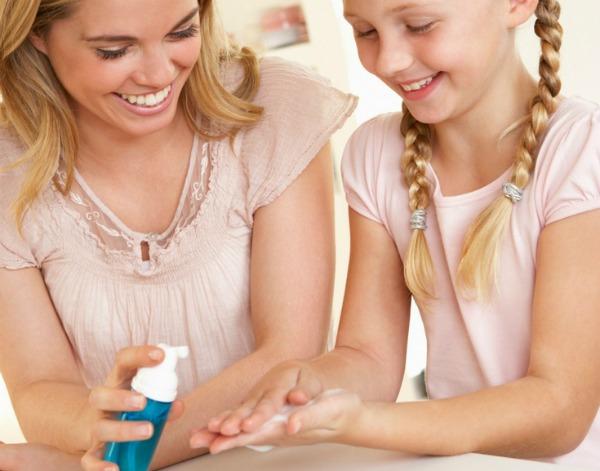DIY Hand Sanitizer – All Natural and No Alcohol