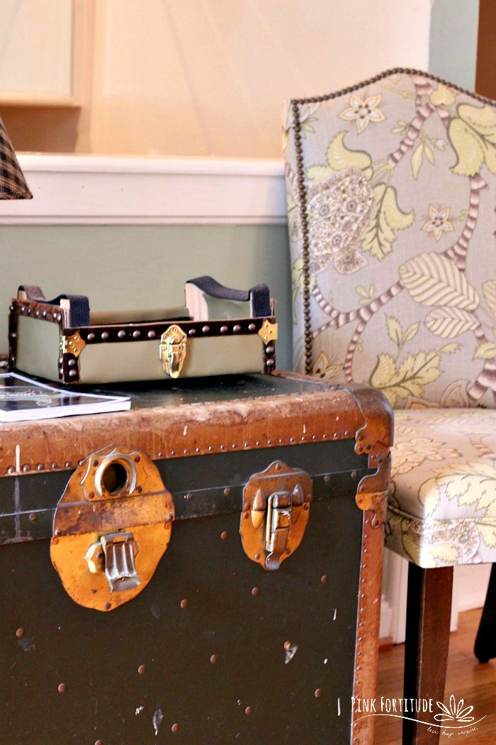 This was my first successful DIY and upcycle. I wanted to update the final reveal pictures and share it with you as it's been lost in the archives. You know those cutie clementines that come in the wooden crates? Well they are perfect for an upcycle project. This cutie crate was upcycled into a vintage trunk. You will never believe the before and after!