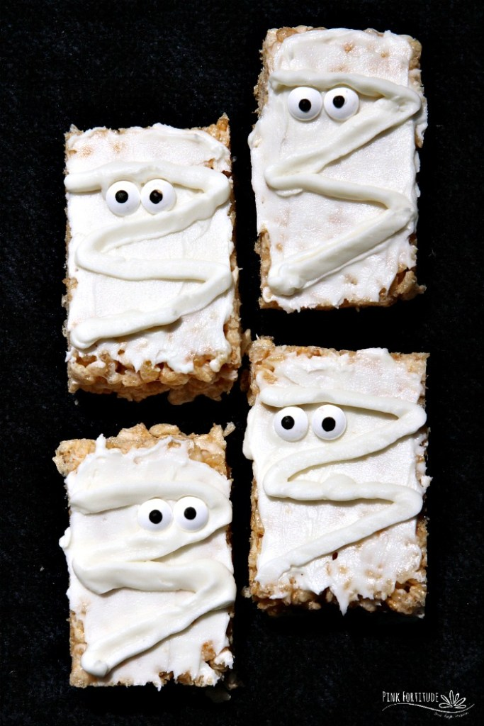 How stinkinadorable are these Mummy Rice Krispies Treats? Wait... they aregluten free and vegan? AND easy to make? Surely you jest! Yes, my friends, it IS possible! All you have to do is know how to substitute your old favorites with your new favorites. These treats are the perfect Halloween treat for kids of all ages. So whether you call them Rice Krispy Treats, Rice Krispies Treats, or Rice Crispy Treats, you will never know the difference with this gluten free and vegan version. And no worries about scaring anyone at Halloween with processed and scary ingredients! Get the recipe...