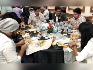 Puluhan Mahasiswa India Belajar Kerajinan Rotan di Jakarta