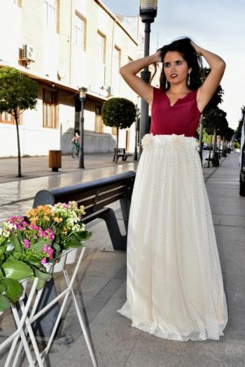 Falda vintage y top en color vino