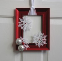 Best Christmas DIY Door Decorations - Pink Lover