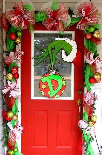 50 Christmas Door Decoration Ideas
