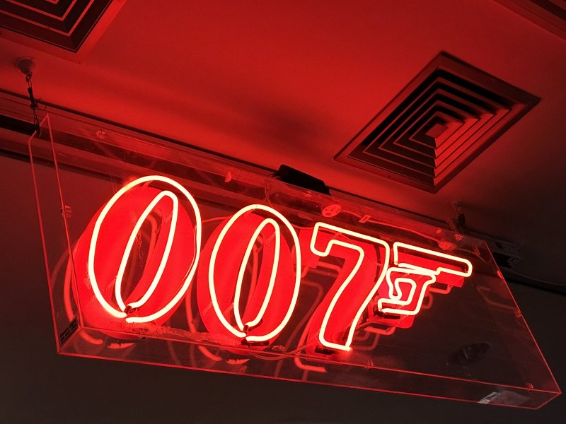 007 planet hollywood london
