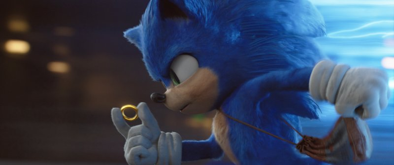 Sonic the Hedgehog running with a ring