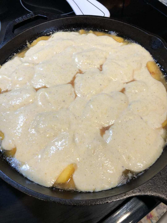 peach cornbread skillet cobbler