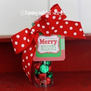 FREEBIE: Free Printable Christmas Tag: We Wish You a Merry Kissmas