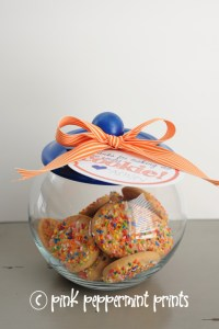 "Free Teacher Appreciation Week Printables ""Thanks for making me one smart cookie"" and DIY cookie jar"